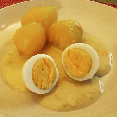 Senfei / Eier in Senfso�e